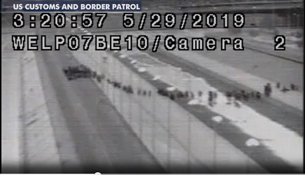 Video - thousand illegal migrants cross unprotected El Paso boder